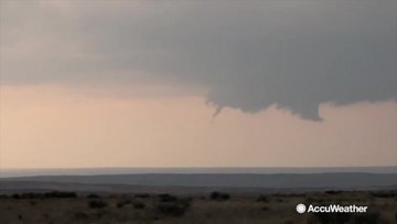Quick rope tornado touches down In Texas