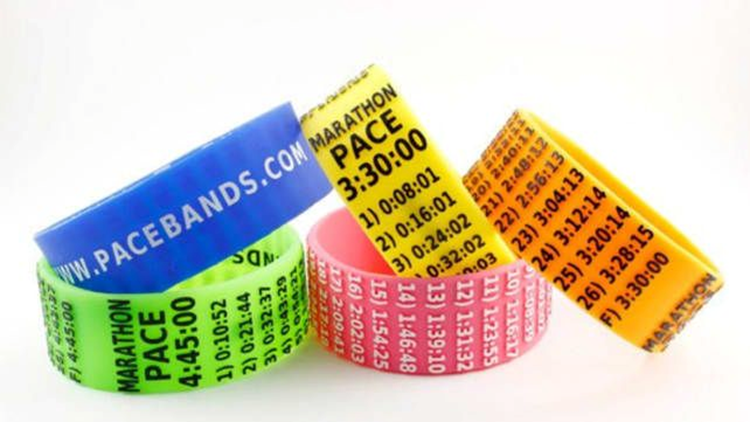 best-gifts-for-runners-2018-pace-bands.png