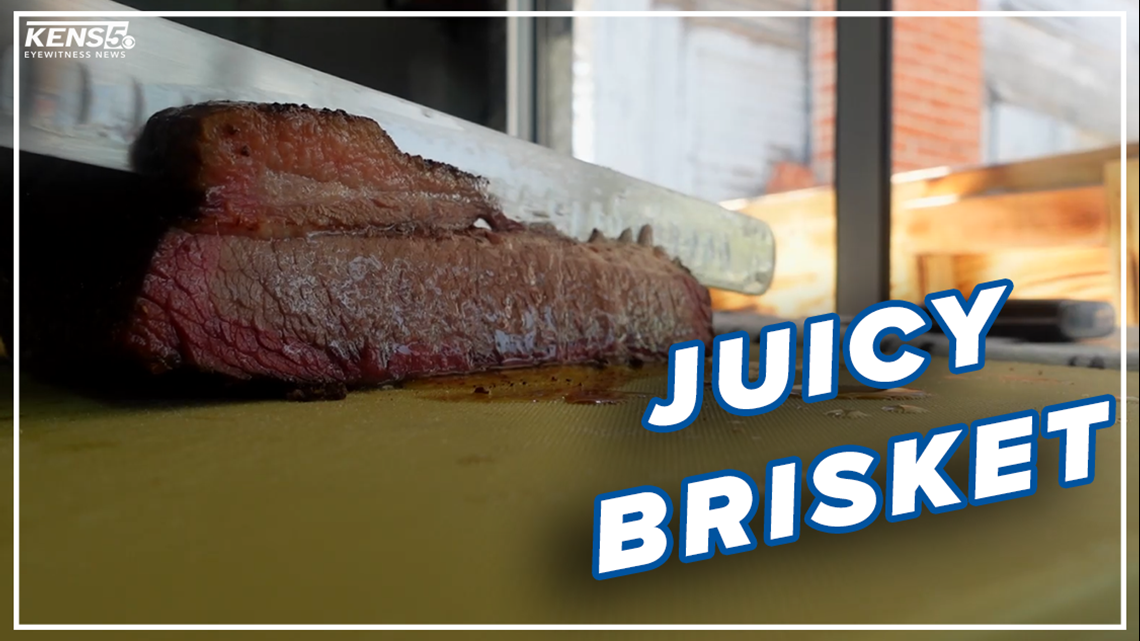 BBQ food truck uses secret recipe rub for its chicken, brisket