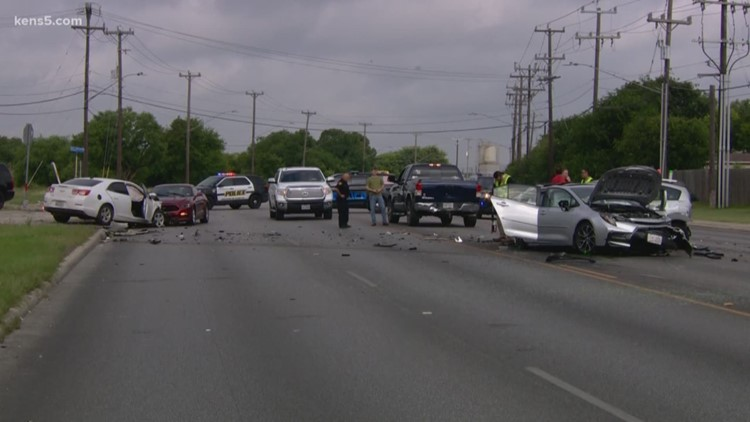 Police chase ends with deadly crash