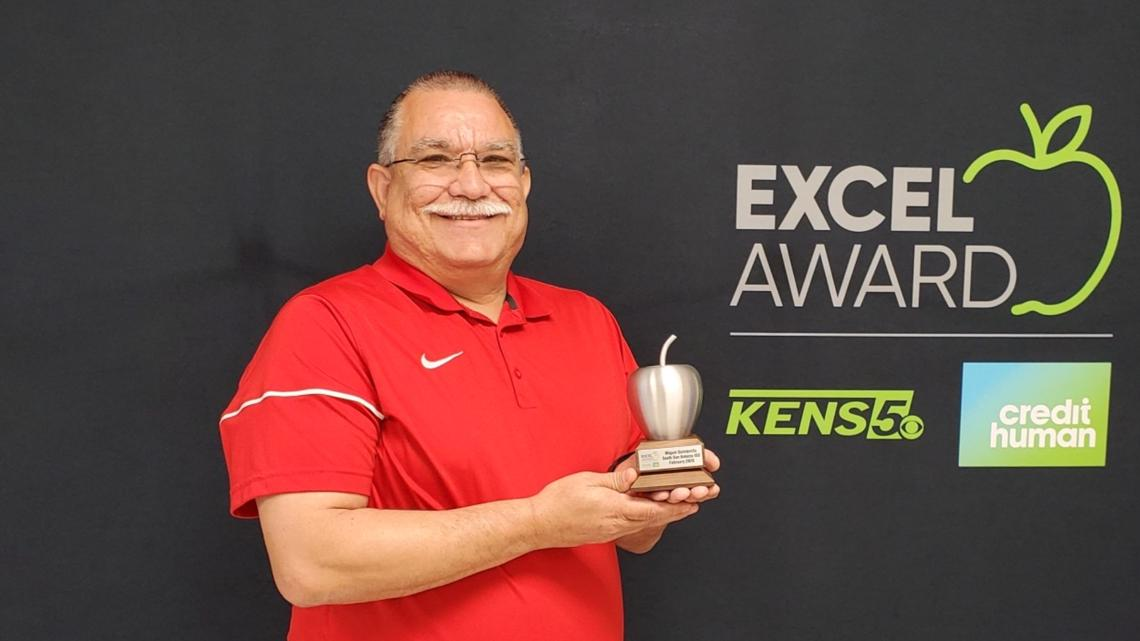 Miguel Quintanilla wins KENS 5 Credit Human EXCEL award for South San ISD