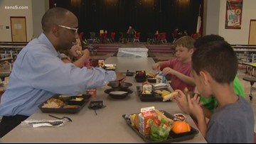 Neighborhood Eats chows down at Sippel Elementary