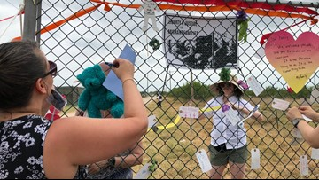 Protesters in Carrizo Springs demand end to migrant shelters
