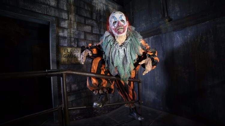 PHOTOS | 13th Floor Haunted House opens