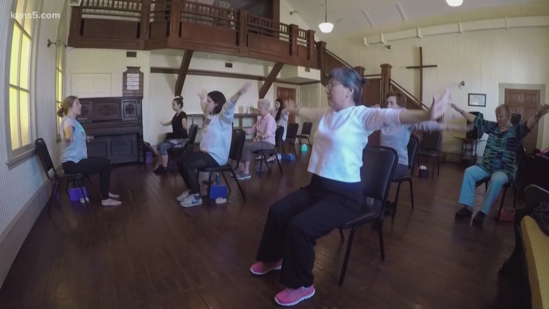 Seniors And College Students Excel In Yoga Together Kens5 Com