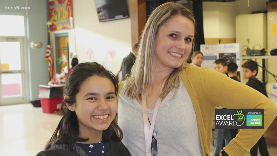 Annie Zoll wins KENS 5 EXCEL Award for Harlandale ISD