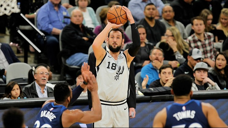 Spurs guard Marco Belinelli shooting against the Timberwolves