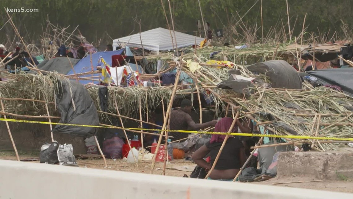 One week later | Thousands of migrants still camped out under international bridge in Del Rio