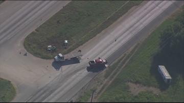 5 hurt after 18-wheeler spills ammonia on Highway 181