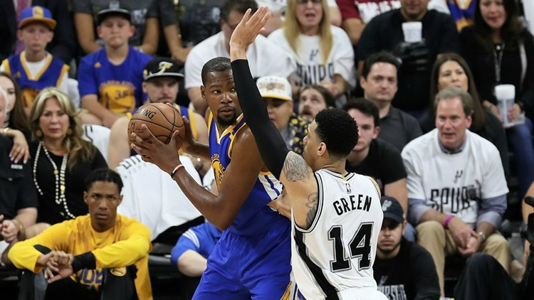 Disjointed Spurs no match for revamped Warriors' lineup
