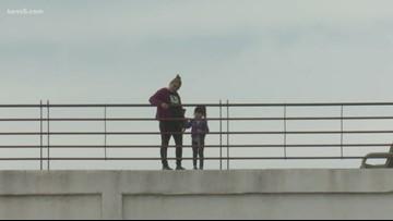 US-Mexico border sees huge surge in illegal border crossings 2 weeks after caravan's arrival