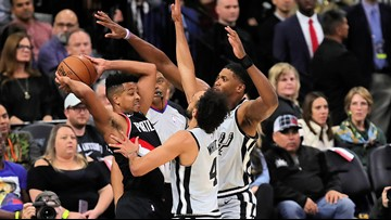 GAME BLOG: Spurs' comeback bid goes for naught in 121-116 loss to visiting Portland