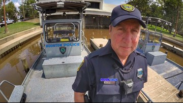 Cop who rescued hundreds from Harvey floods while battling cancer passes away