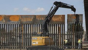 US awards second border wall contract in Texas