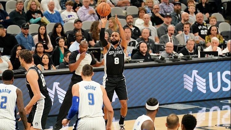 BKN Spurs guard Patty Mills shooting against the Magic 11042018_1541577847045.jpg.jpg