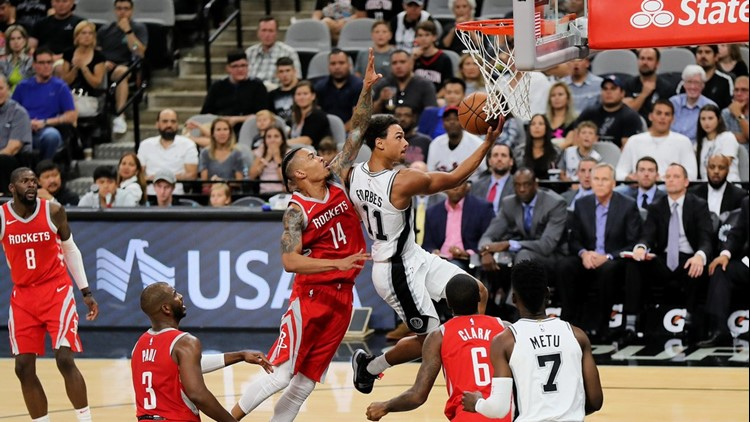 BKN Spurs guard Bryn Forbes goes up for a layup against the Rockets 2018 preseason_1541849085129.jpg.jpg