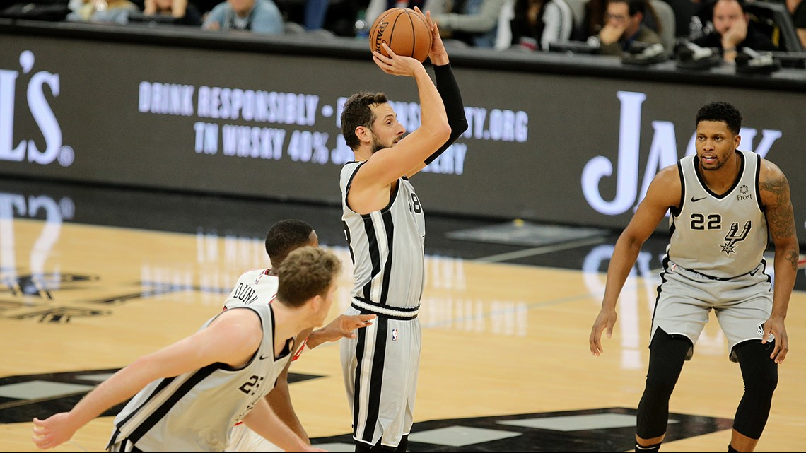 Bulls rally from 21-point deficit, hand stunned Spurs 98-93 defeat at home