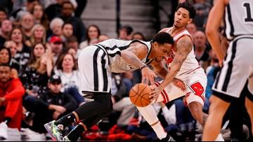 Bulls erase 21-point lead, defeat Spurs 98-93