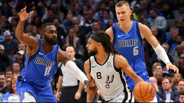 Spurs suffer sixth straight loss, falling 117-110 to Mavericks