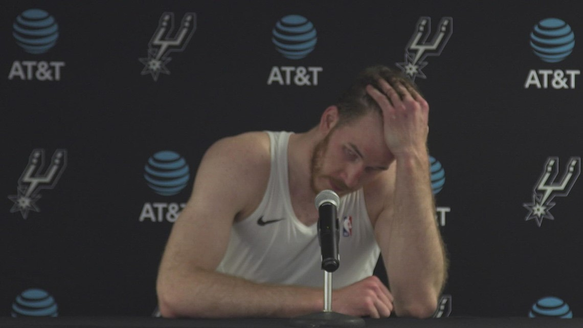 Jakob Poeltl speaks after nearly notching a triple-double in Spurs' season-opening win over Magic