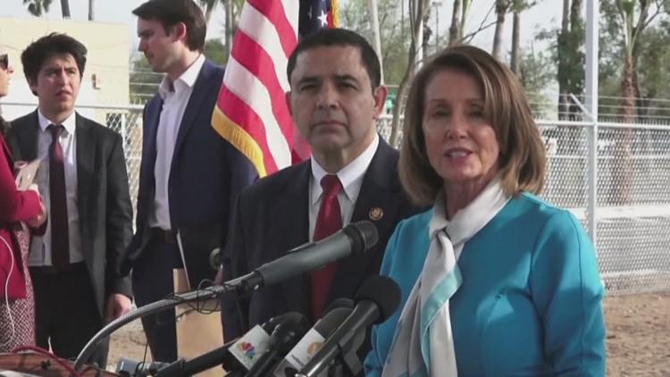 Pelosi stops by Laredo amid border debate