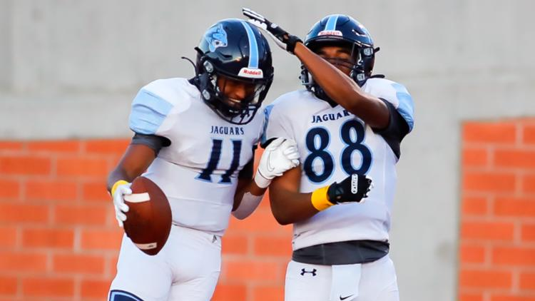 Johnson dominates on both sides of the ball in Week 4 rout of MacArthur