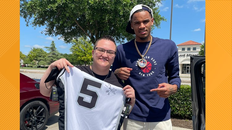 '@DejounteMurray a real one!!!' | Spurs standout signs fan's jersey in response to tweets