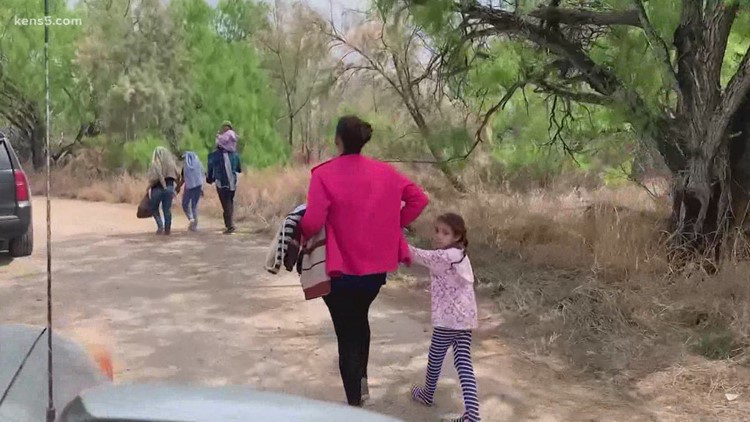 Coronavirus policy forces some migrant children to leave parents at the border