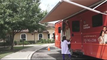 UT Health, nursing students take health care on the road to SATX neighborhoods