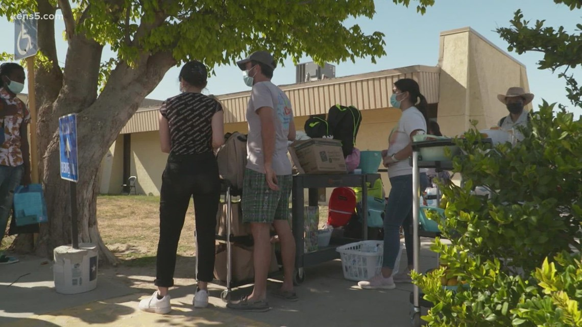Hundreds of Haitian migrants released from federal custody into hands of nonprofit