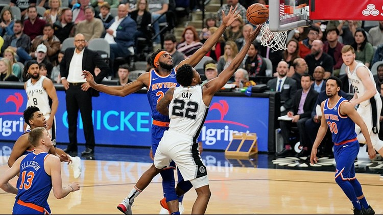 Spurs forward Rudy Gay goes up for a layup against the Knicks 03152019