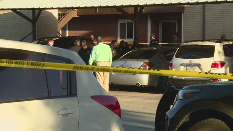 SAPD searching for suspects after deadly northwest-side shooting