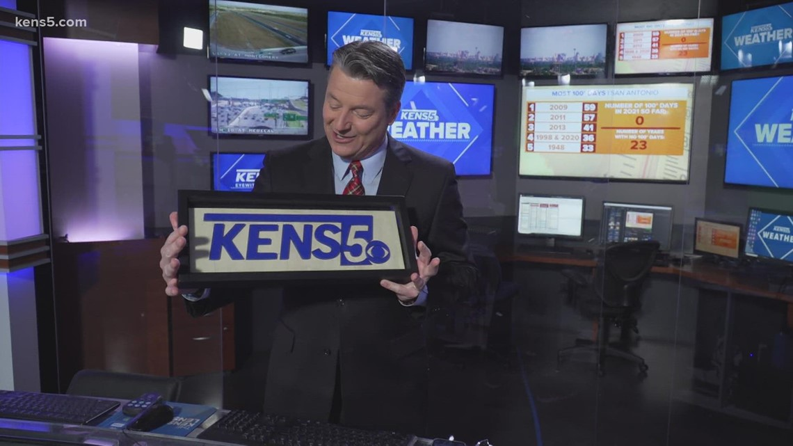 San Antonio artist creates KENS 5 sign that can fit in your hands