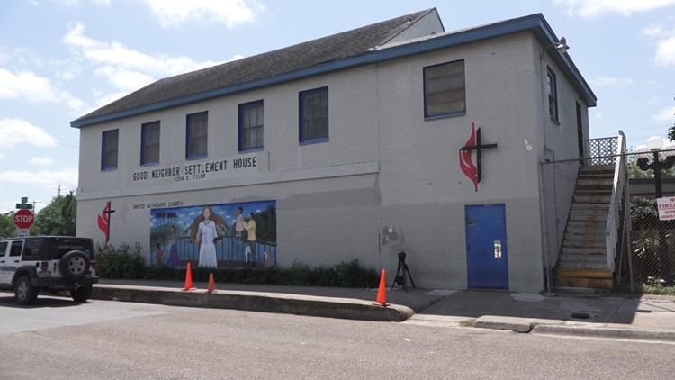 Good Neighbor Settlement House receiving hundreds of migrant families released by Border Patrol
