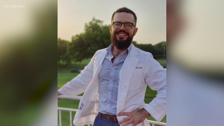North Texas medical student prepares to become first in family to graduate from college