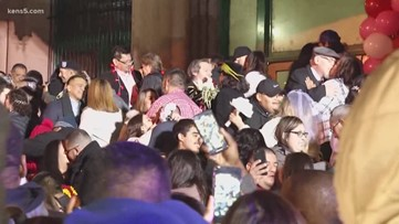 Couples say 'I do' on Valentine's Day at the Bexar Co. Courthouse