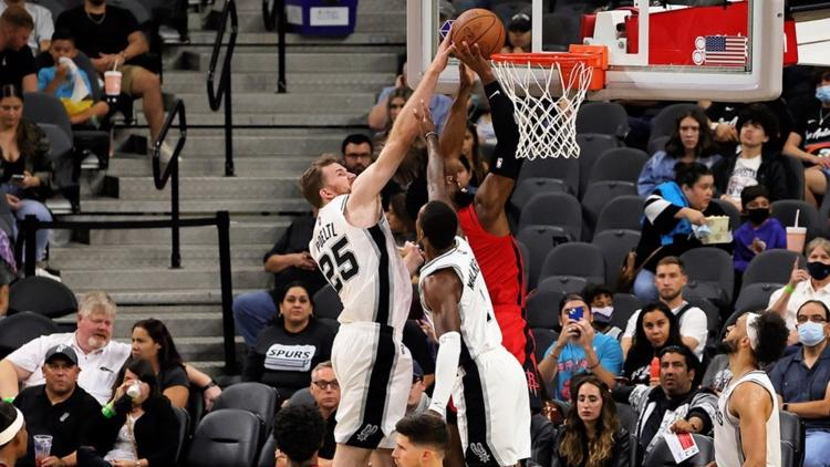 Spurs pour it on against Rockets in final preseason tune-up
