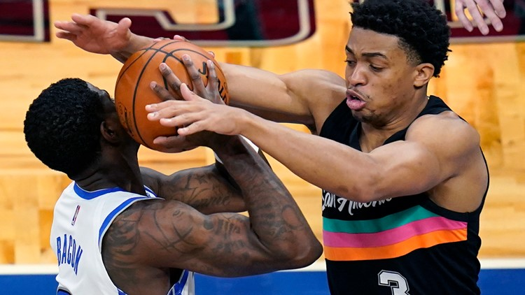 FINAL: Spurs dominate Magic 120-97, move to 26-26 on the season