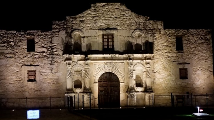 Ghost tour in San Antonio is a 'unique way to see the city' | Everything 210
