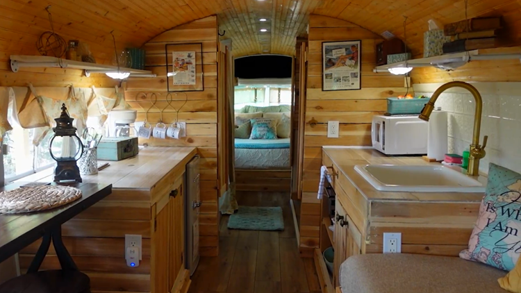 Texas woman turns 1948 bus into luxury stay   Everything 210