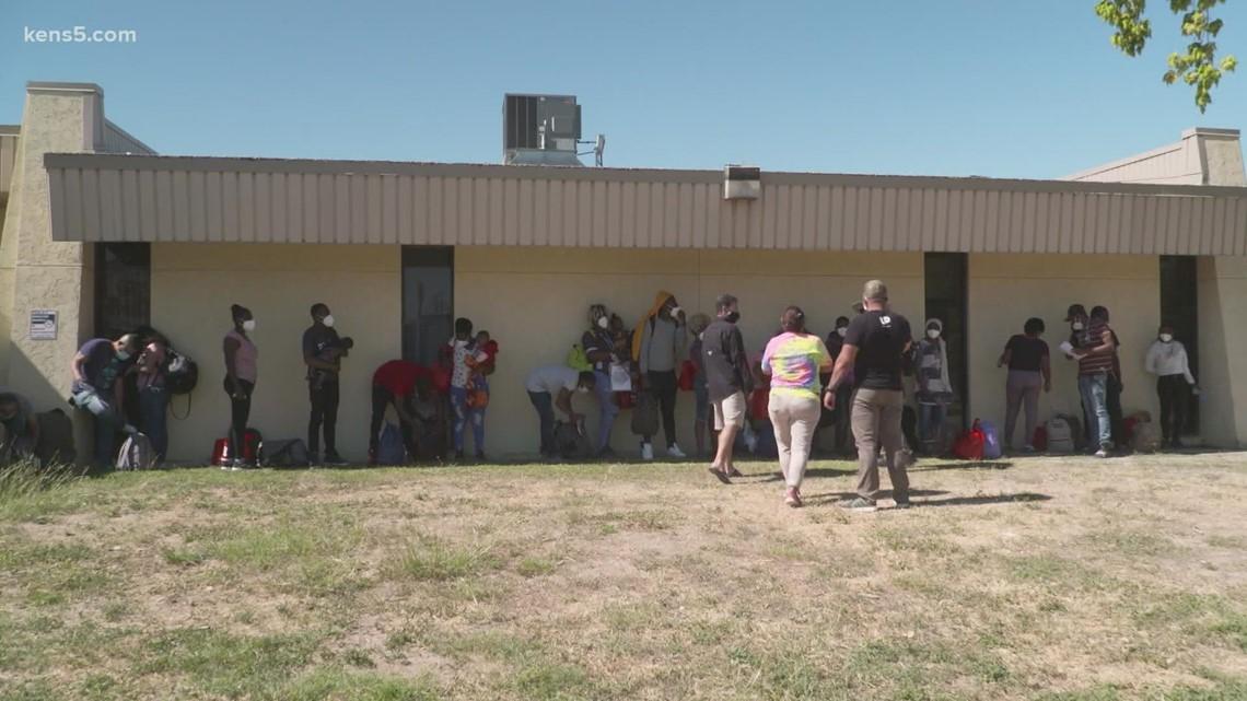 Crowds of asylum-seeking Haitians in Del Rio continue to thin