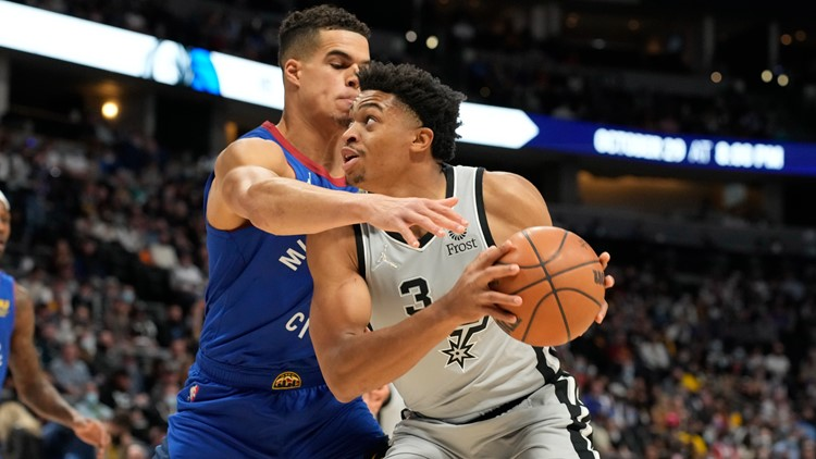 Spurs fall to Nuggets in Denver, 102-96