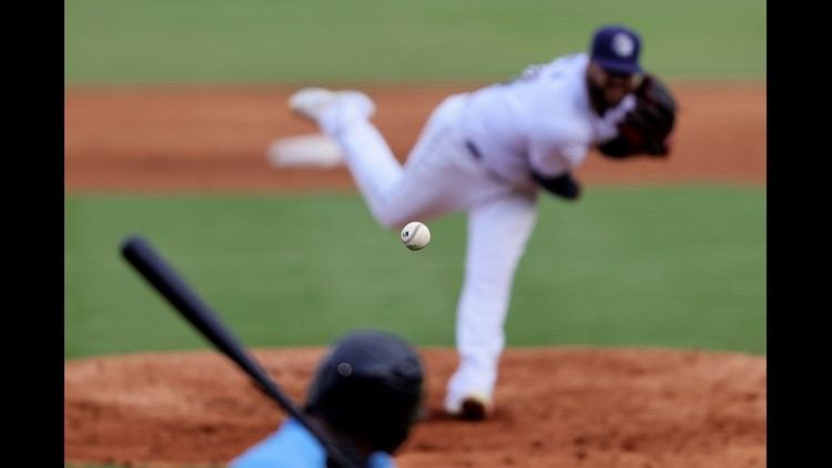 PHOTOS: Missions fall to Hooks