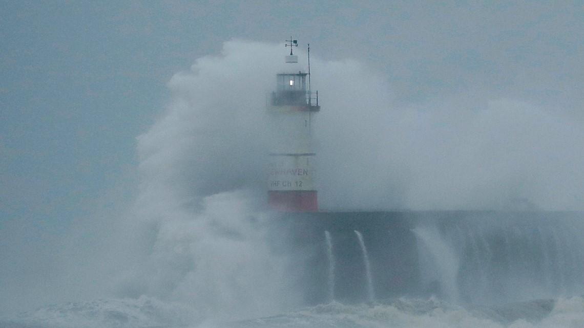 WEATHER MINDS CLASSROOM: The Hurricane Hunters