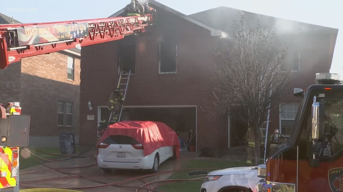 10 people, including five children, hospitalized after house fire in Helotes