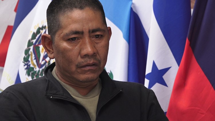 Salvadorian David Rivera recounts waiting at a port of entry for four months to ask for asylum