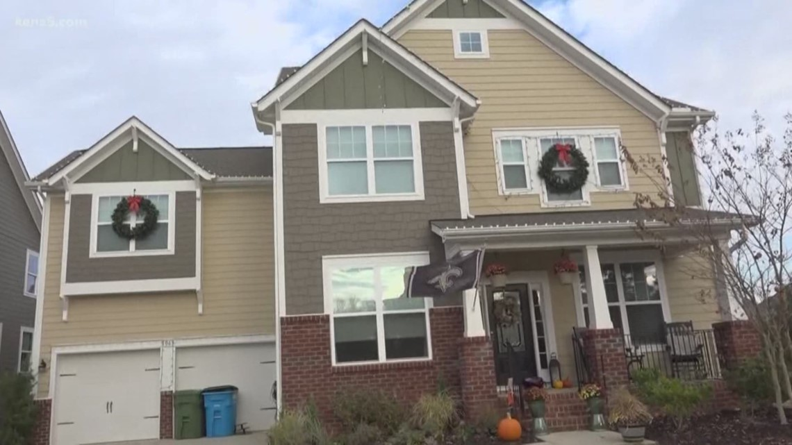 Father fighting for his life after injury hanging Christmas lights