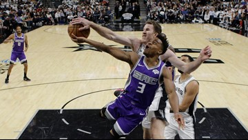 GAME BLOG: Spurs sink Kings in OT after Belinelli plays the hero at the end of regulation