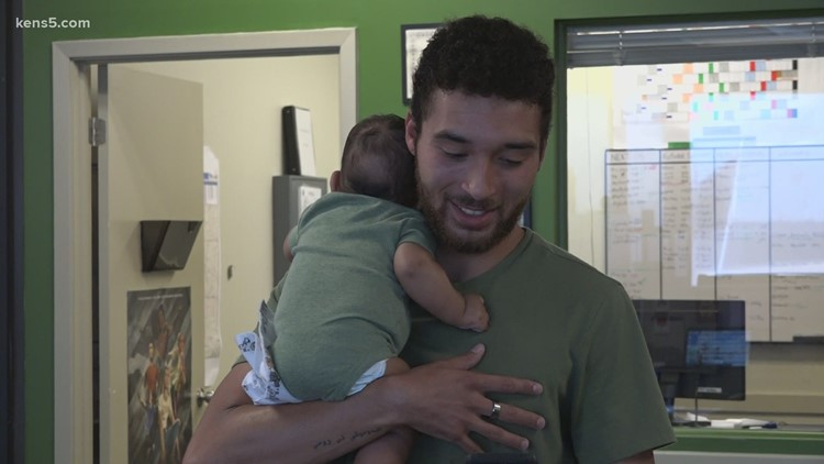 Father takes newborn baby to ASVAB practice test as he prepares to enlist in the Army