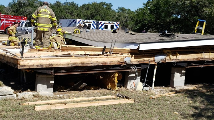 1 dead, 6 injured in mobile home after roof collapse